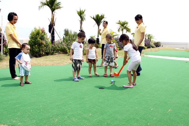 Bộ chơi golf cho bé - một sản phẩm của golffami
