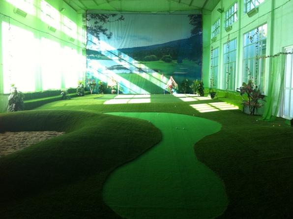 thiết kế sân golf mini trong nhà