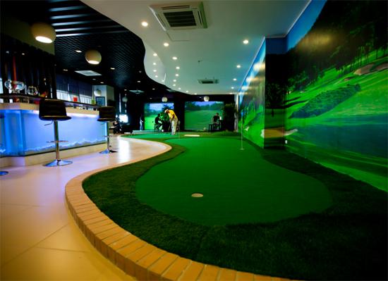 Thiết kế thi công sân golf mini trong nhà