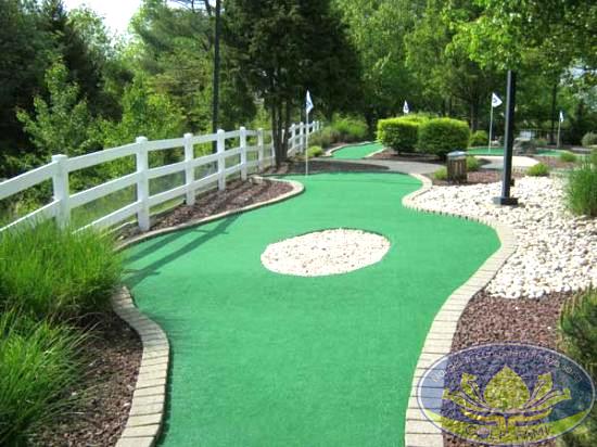 Sân golf mini trong vườn
