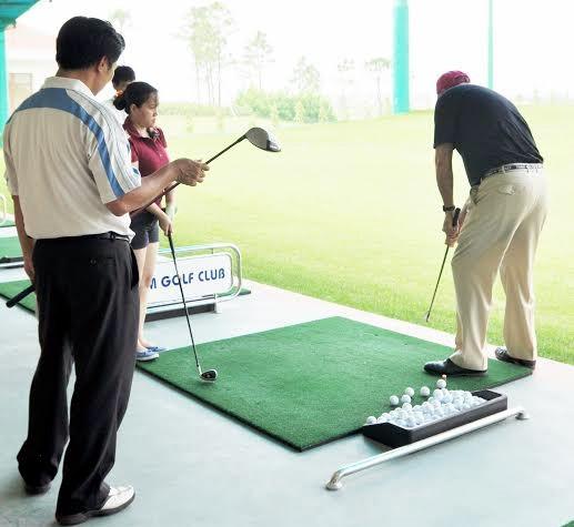 Tập đánh golf cơ bản cho người mới chơi