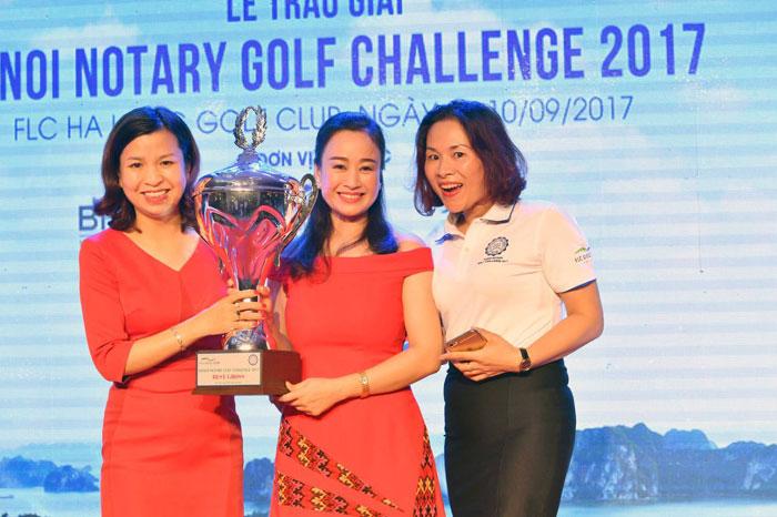 """Nữ golfer Vô địch giải """"Hanoi Notary Golf Changllenge 2017"""""""
