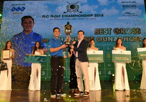 Trao giải Best Gross tại FLC Championship