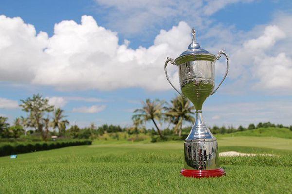 Chiếc cup của giải đấu VPGA Tour