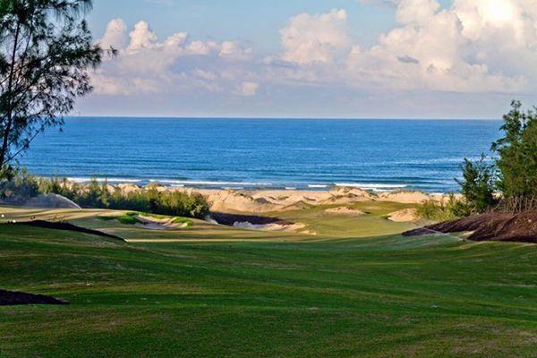 Sân golf FLC Quy Nhơn - Sân gôn view biển đẹp nhất Việt Nam