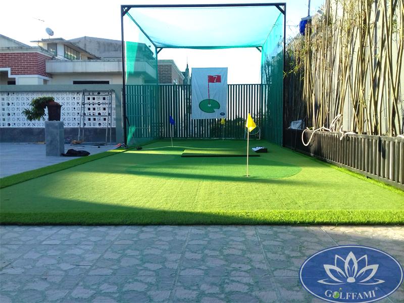 Sân tập golf mini trên sân thượng tại Huế