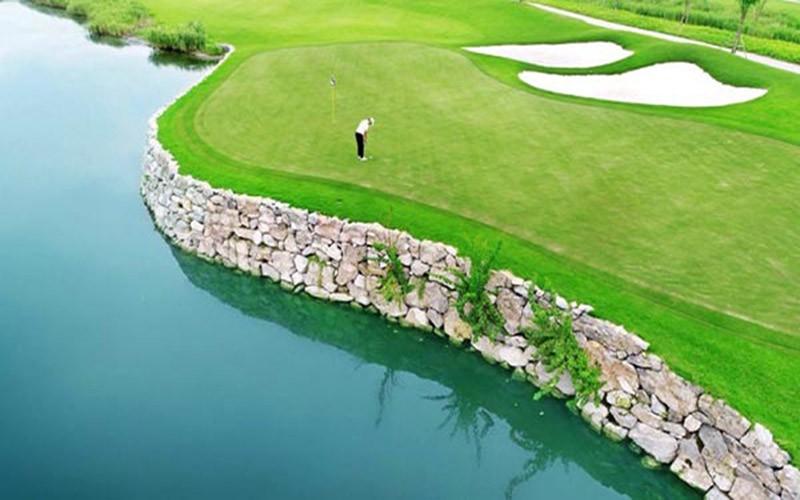 Các golf thủ tranh tài tại Vinpearl Golf Hải Phòng