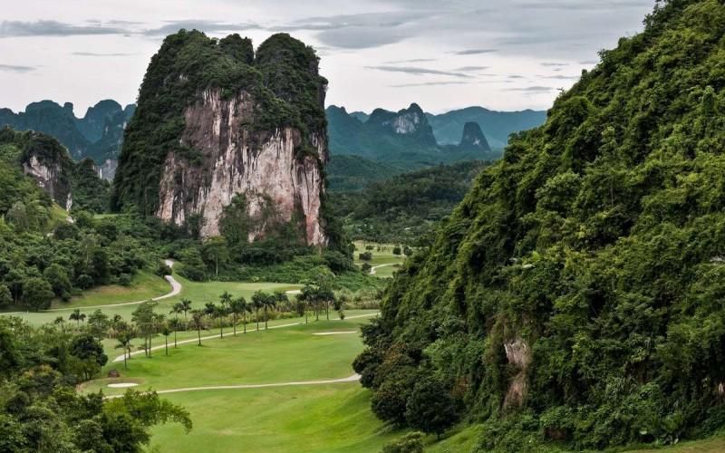 Sân golf đẳng cấp đáng chơi nhất ở Hòa Bình
