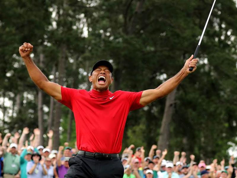 Nike thu về 22 triệu đô khi Tiger Woods vô địch